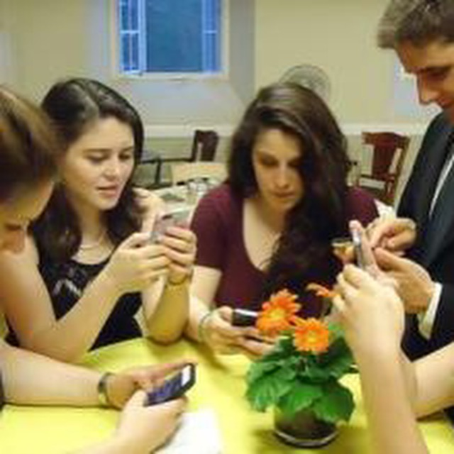 练习 | Cell Phone Addiction among American Teens